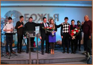 Laszla praying over Ukrainian Leadership
