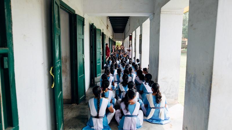 students-of-sanat-nallini-girls-high-school-meeting-on-the-veradha-for-chapel